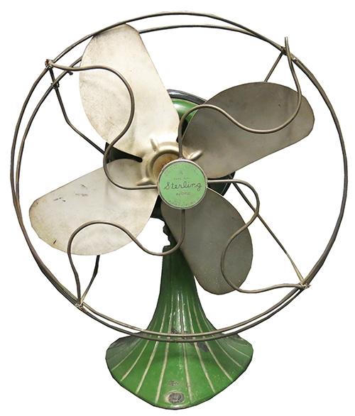 """Vintage Steel Green """"Sterling"""" Fan"""